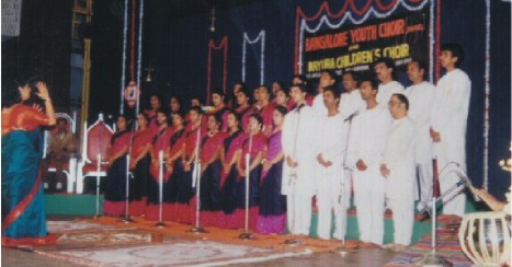 choir.jpg (33507 bytes)